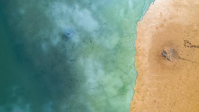moře zvrchu